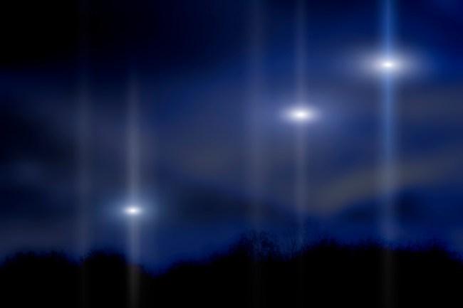 Fleet of UFOs captured on video, lights in the sky sighting happened in Yuma, Arizona.