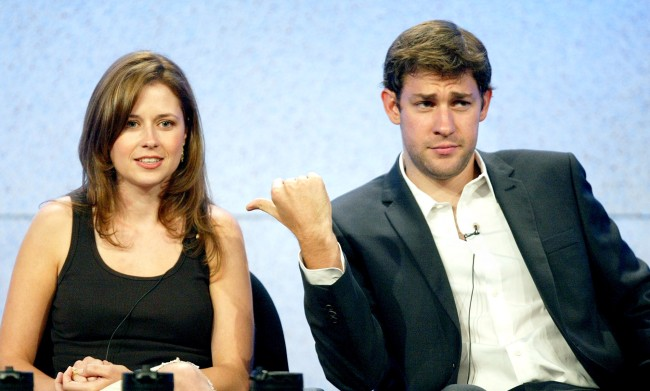 Jenna Fischer Reveals What Was Written On Jims Note For Pam In The Teapot