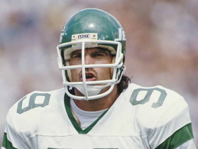 Mark Gastineau is arguing that he still deserves to be recognized for holding the single-season NFL sack record after Michael Strahan's tackle on Brett Favre
