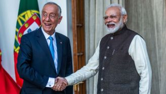 Has There Ever Been A More Awkward Handshake Than This One Between The Leaders Of India And Portugal? Let's Look At Some Other Contenders