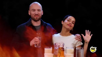 Zoe Kravitz Takes The 'Hot Ones' Challenge And Somehow Doesn't Take A Single Drink Of Anything