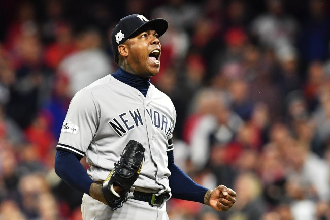 New York Yankees close Aroldis Chapman is absolutely jacked up this offseason and showed off his muscles on Twitter