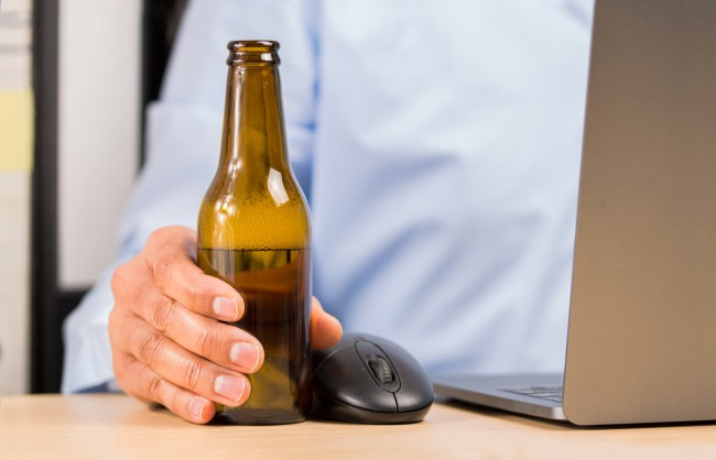 americans drinking alcohol working from home