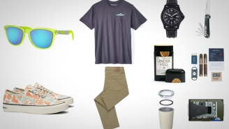 10 Everyday Carry Essentials For Chilling Around
