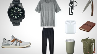 10 Of The Best Functional And Athletic Everyday Carry Essentials For Guys