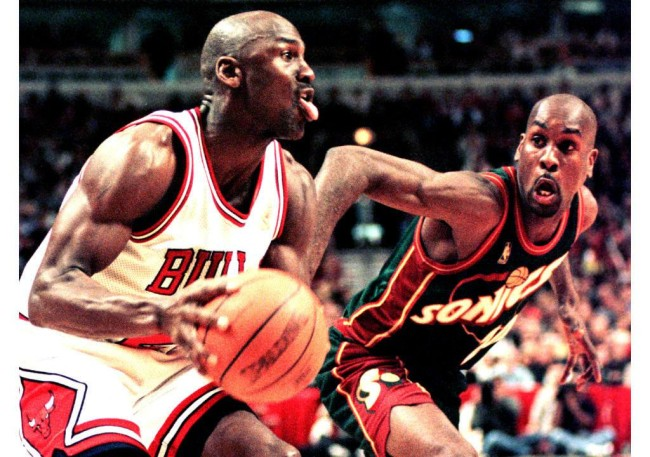 Gary Payton shares hilarious story about Michael Jordan dominating him after he talked trash during rookie season