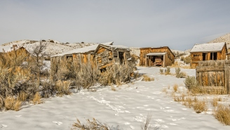 A Man Who Bought An Abandoned Mining Town Decided To Isolate There And His Story Will Make Your Current Situation Seem Less Miserable