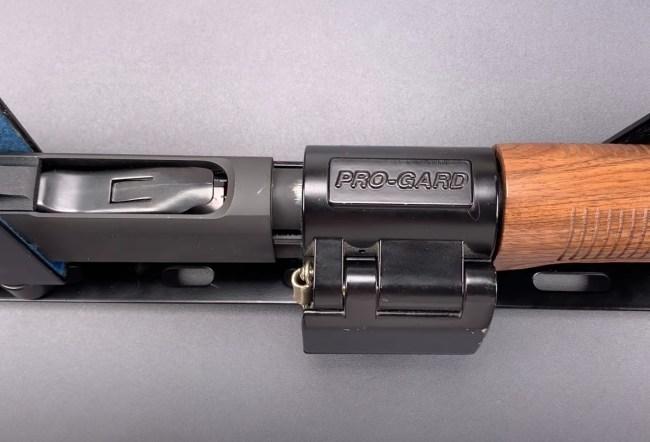 Lock Picker Easily Picks Police Shotgun Lock