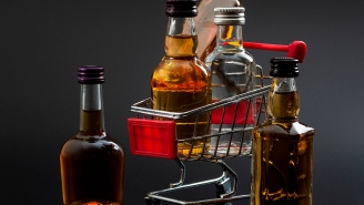 Missouri Grocery Store Replaces Salad Bar Items With Mini Bottles Of Alcohol