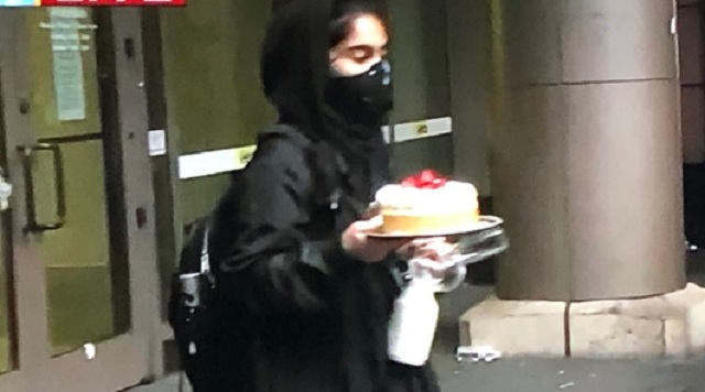 The Internet Reacts To Woman Stealing A Cheesecake From The Cheesecake Factory During The Seattle Protests