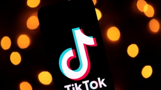 Popular TikToker Faces Backlash For Harassing Essential Workers, Intentionally Spilling Milk & Cereal Inside NYC Subway For Prank Video