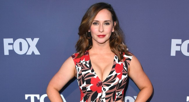 Jennifer Love Hewitt Selling Amazing Pacific Palisades Home For 4m