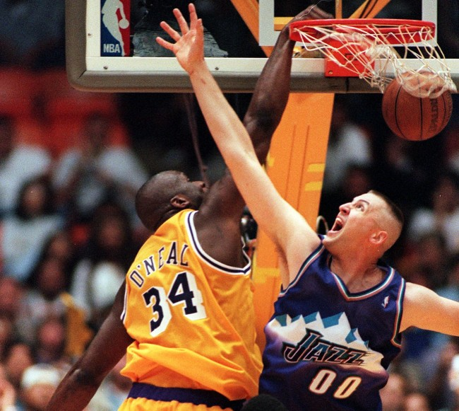 """Karl Malone tells wild story about Shaquille O'Neal slapping Greg Ostertag and """"f*cking up"""" his entire career"""