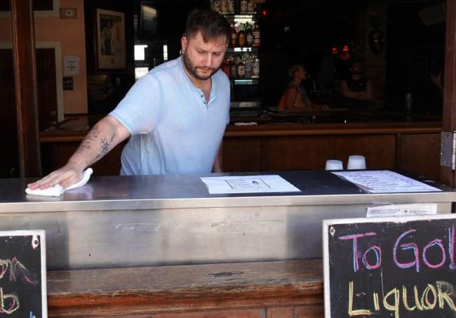 social distancing bar crawls