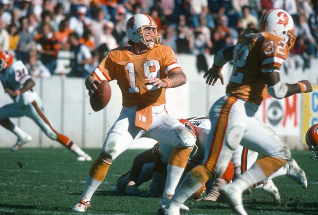 throwback uniforms that should be permanent