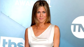 Jennifer Aniston Is Raising Money For Coronavirus Relief By Auctioning Her Iconic Nude Photo