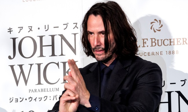 Keanu Reeves Auctioning 15 Minute Call For Childrens Cancer Charity