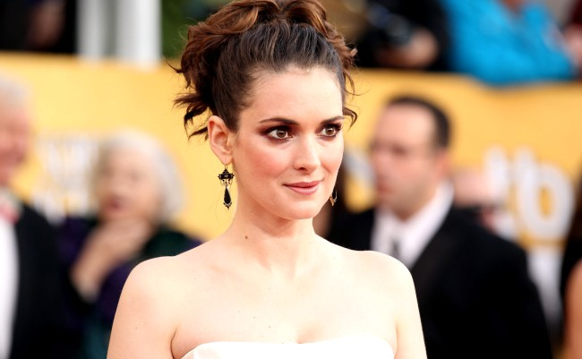 Mel Gibson Denies Calling Winona Ryder An Oven Dodger In 1995