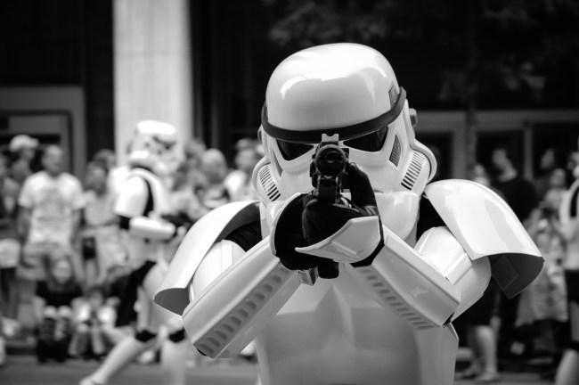 stormtrooper social distancing