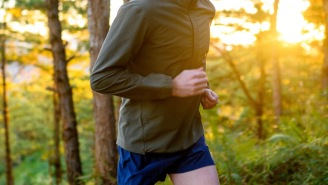 Beat The Heat And Burn Some Calories With This High-Performance Running Apparel