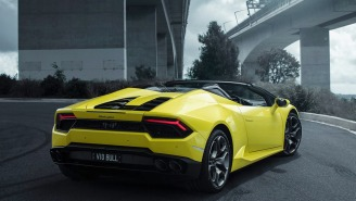 New $266K Lamborghini Gets Destroyed Less Than 20 Minutes After Leaving The Lot