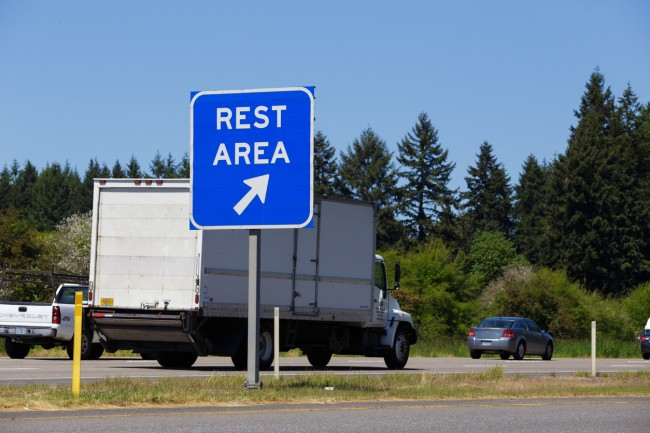 Ranking The 10 Best (And Worst) Places To Pee On A Road Trip
