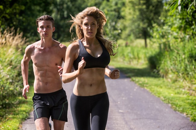 Does working out shirtless really keep you cooler? Science has the answer.