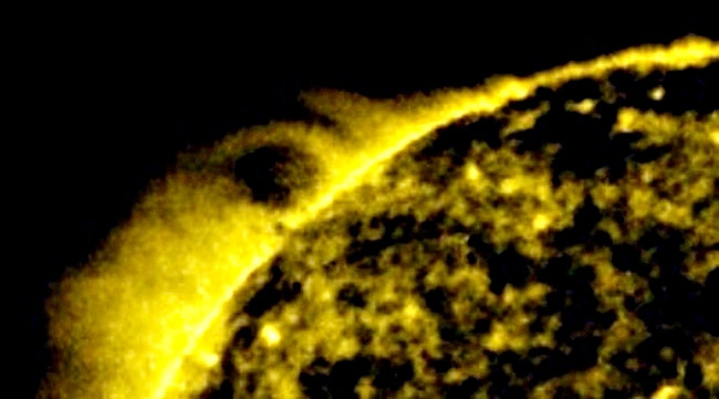 Alien Ship 25 Times Size Of Earth Spotted Exiting The Sun