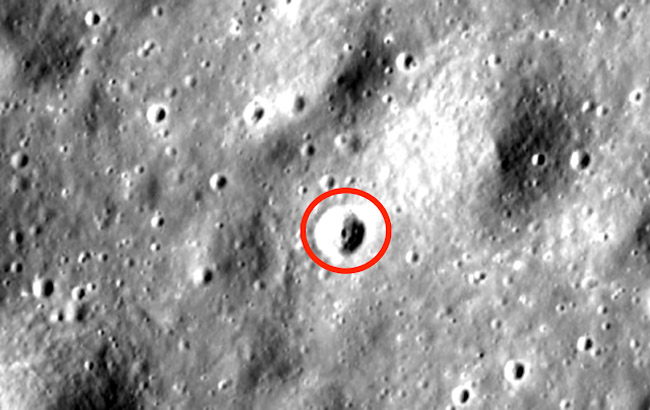 Anomalies Spotted On The Moon Are Absolute Proof Alien Life