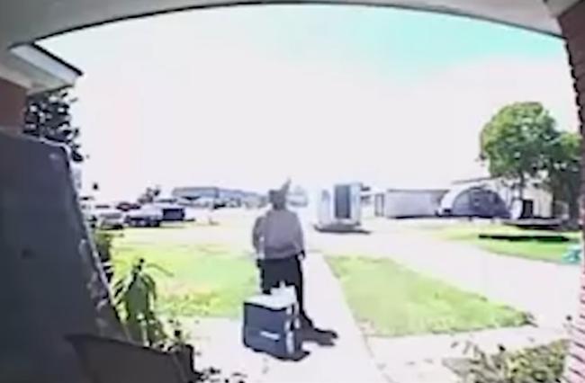 FedEx Driver Old Man