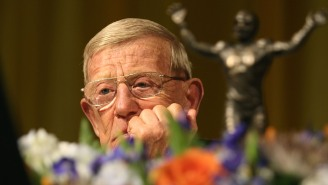 Notre Dame Issues Statement In Response To Lou Holtz Speaking At The RNC