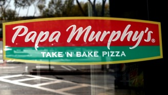 Maskless 'Karen' Loses Her Mind At A Papa Murphy's Over Being Denied Her Constitutional Right To Pizza