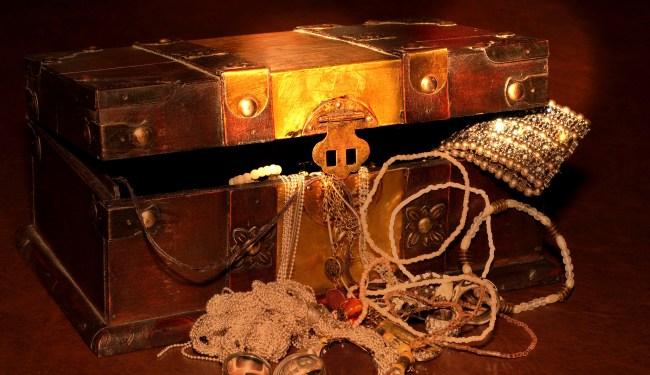 Michigan Jeweler Buries 1M Worth Of Treasure Around State For Quest