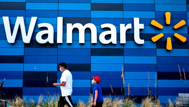 Walmart Customers Have To Wear Masks Man In Florida Pulls Gun Over It