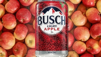 Busch Light Apple Review—A Beer You'd Never Think Of And A Combo That Works Better Than You'd Ever Think