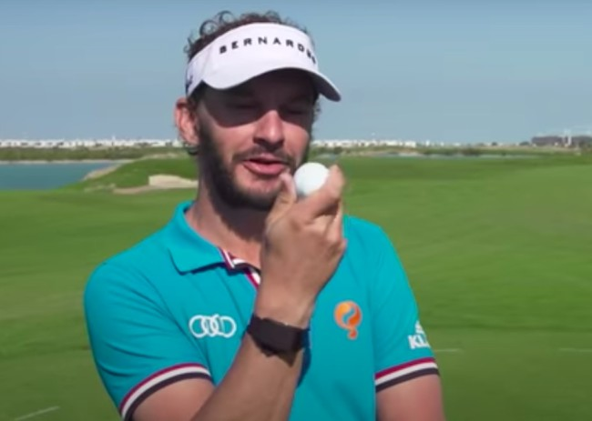 Hitting a golf ball without dimples is harder than it looks, as these PGA golfers showed in this video