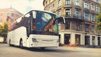 You Can Now Rent The Luxurious Tour Buses Jimmy Buffett And Pearl Jam Would Be Riding On Right Now If Concerts Still Existed
