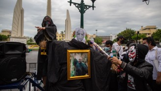 This Harry Potter-Themed Government Protest In Thailand Looks Like A LOT Of Fun