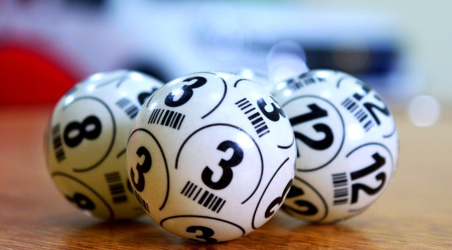Guy Buys 25 Identical Lottery Tickets For Same Drawing Wins 25 Times