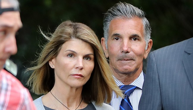 Lori Loughlin Gets 2 Months In Prison College Bribery Scandal