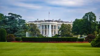 Trump Signs Executive Order For Covid Relief