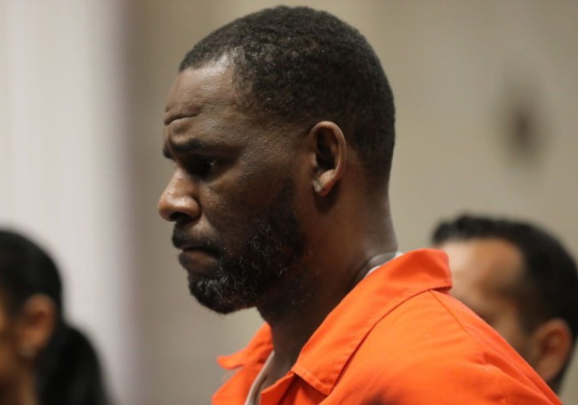 r kelly attacked prison chicago