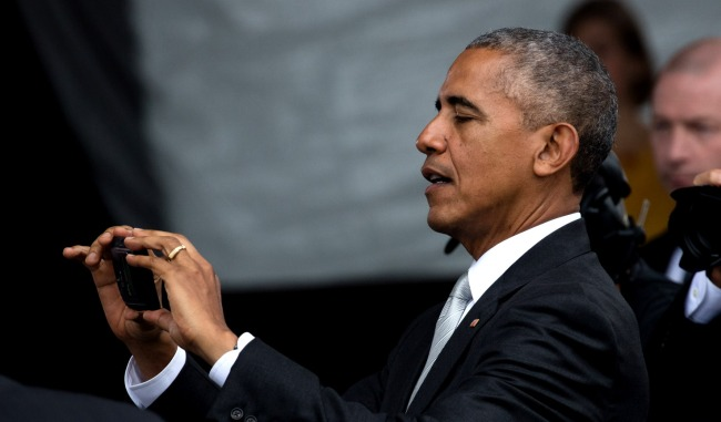 Barack Obama Admits To Having A Fintsa - A Secret Instagram Account