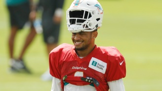 Tua Tagovailoa, DeVonta Smith Have Talked About Possible Reunion With Miami Dolphins