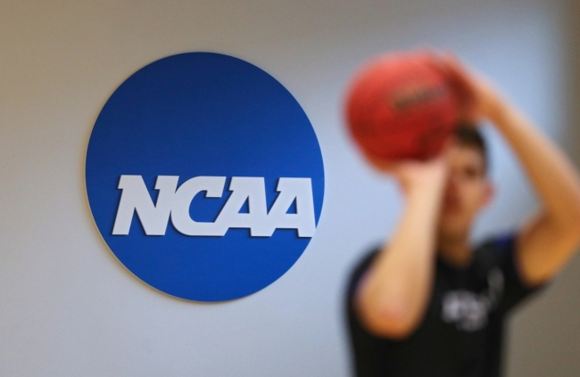ncaa allowing fans march madness