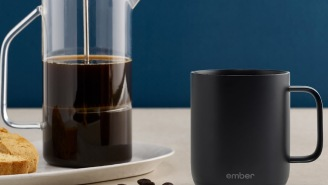 Smart Coffee Mug Warms Your Coffee All Day And Seems Like Something Only Billionaires Should Have Because It's That Cool