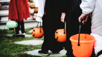 This Dad Designed An Ingenious Way To Hand Out Halloween Candy Without Breaking Social Distancing Rules