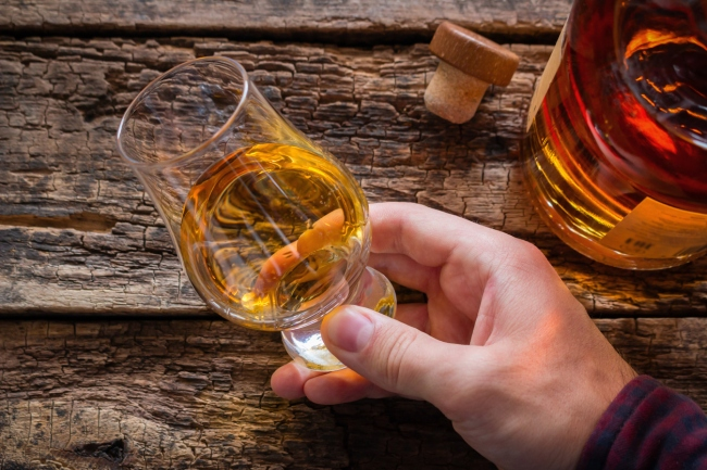 Novice Collector To Auction Off World's Largest Private Whiskey Collection Of 9,000 Bottles For Millions