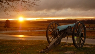 Gettysburg Ghost Video – Tourist Captures Spooky Battlefield Ghost Sighting… But Is It Real?