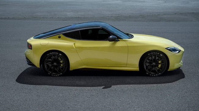 Nissan Z Proto is a manual retro sports car that could be a Supra killer.